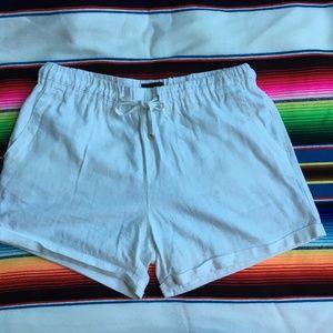 Charlie Paige Shorts White Linen Blend M